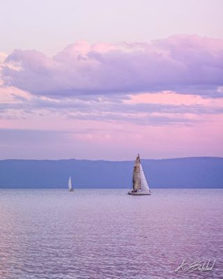 During the summer, sailboats race in Juniper Bay on Flathead Lake every Tuesday and Friday night. These guys were out practicing this week. If anyone in the area knows how I could hitch a ride on one for an upcoming race, let me know. #flatheadlake #flathead #flatheadvalley #flatheadphotography ⛵️